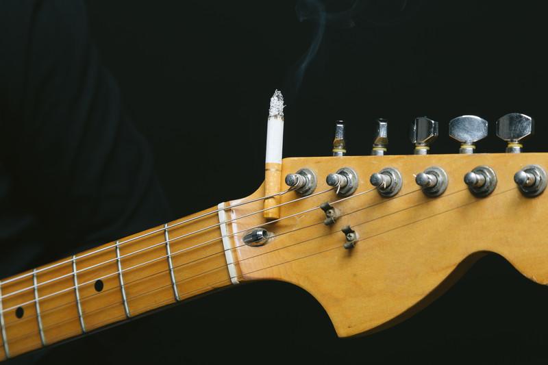 タバコの声や喉への影響